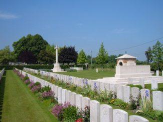 Barlin Communal Cemetery   CWGC