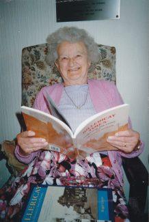 Evelyn Lockhart in 2002 | Sylvia Kent
