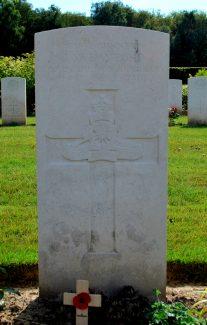 Gunner Bayford's headstone | Billericay ATC
