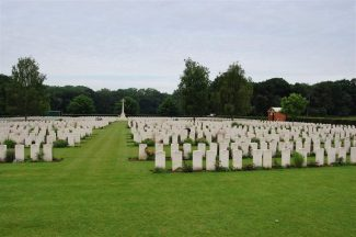 Dozinghem Military Cemetery | CWGC