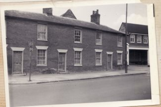 Houses and Hensmans Garage - now Frizzell House   Joan Shirmer