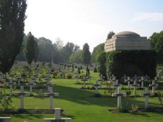 Ecoivres Military Cemetery | CWGC