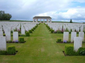The Guards' Cemetery, Lesboeufs | CWGC
