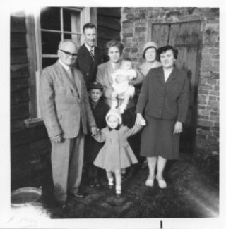 Kath & Arthur Walden (centre) with their children Margaret (in Kaths arm's) & Leslie with Kath's parents Mary & Ernest Martin, sister Hazel Morley & niece Susan Morley | Claire Morley