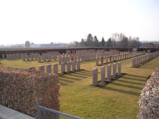 Meaulte Military Cenetery | CWGC