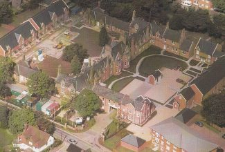 Aerial Photo of the St. Andrews site, previously the workhouse, as the new development was nearing completion. The new buidings are on the long sides of the squares on the right and left of the photo.