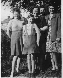from left me, Phyllis, Mum, Bob & Eileen | Joan Shirmer