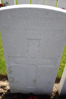 Serjeant Ashbee's gravestone   Billericay ATC