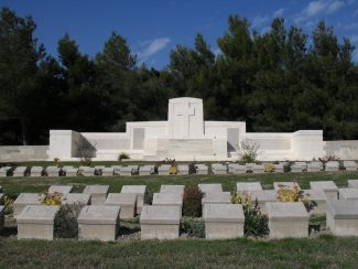 Twelve Trees Copse Cemetery | Onur Gören