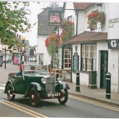 A Morris Eight at the Chequers