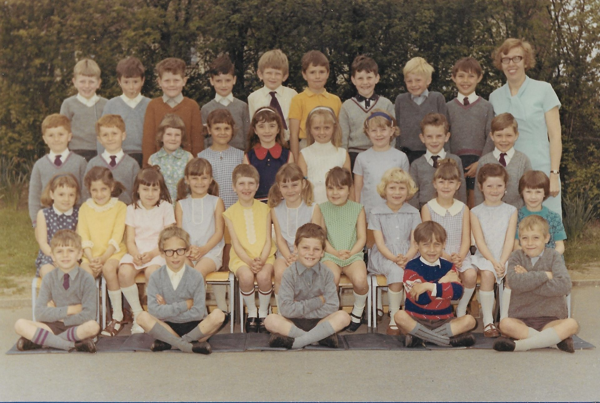 Top year infants 1970 Mrs Barton