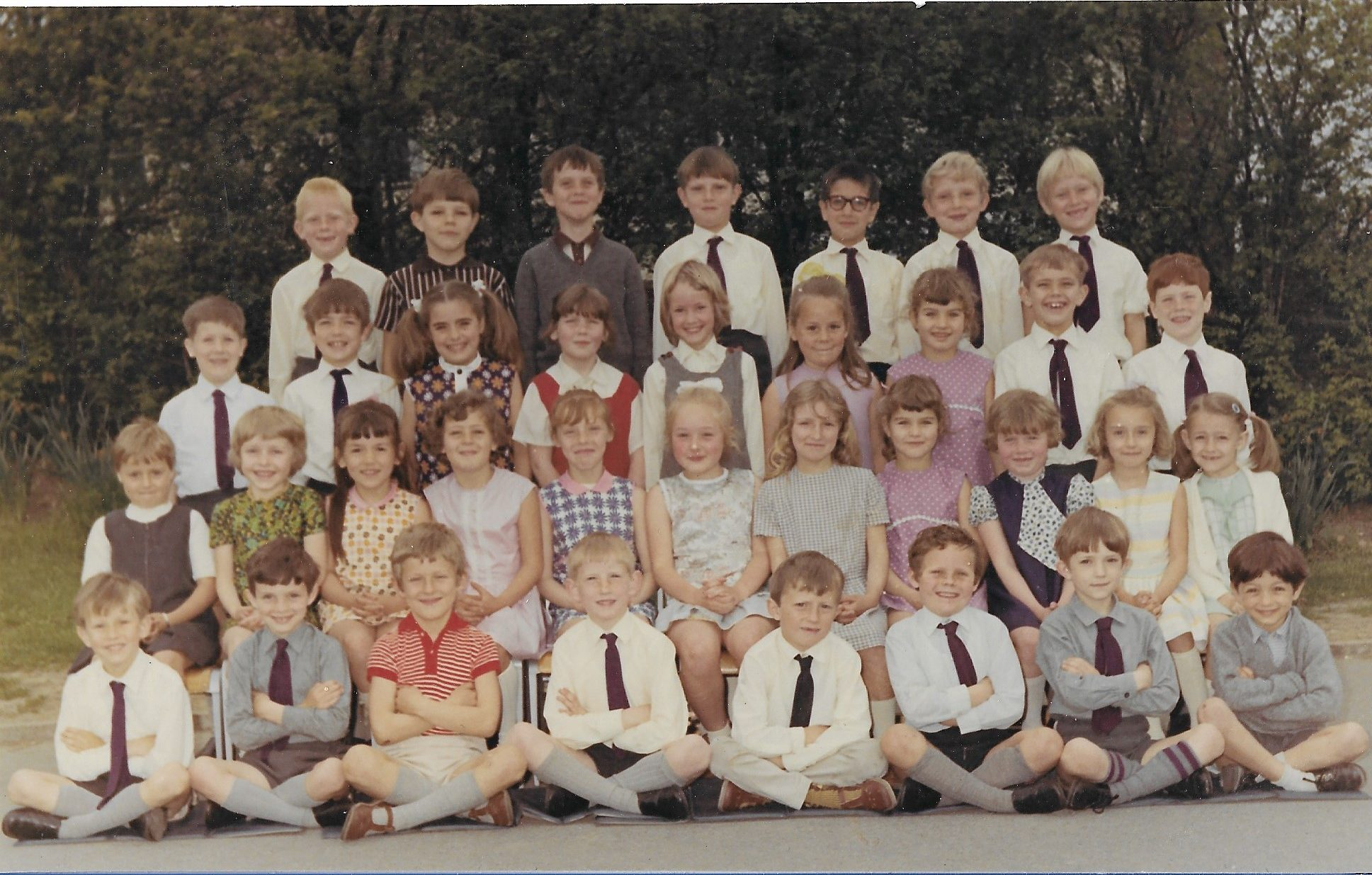 Top year infants 1970 Mrs Reeves